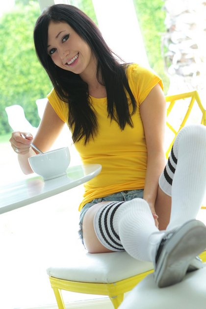catie-minx-eating breakfast short shorts socks1